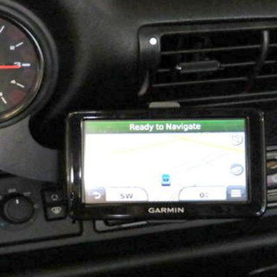 1995 993 – Garmin Nuvi GPS
